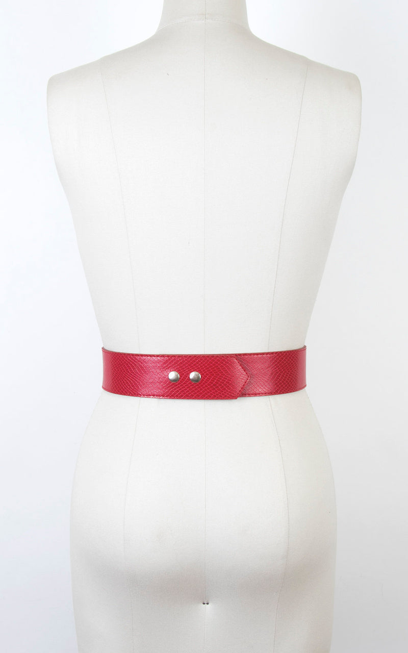 Vintage 1960s Cinch Belt | 60s Red Lizard Vinyl High Waist Belt (small)