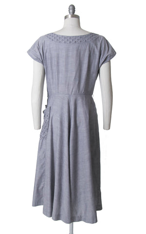 Vintage 1950s Dress | 50s Light Purple Chambray Cotton Shirt Dress Full Skirt Shirt Dress with Pocket (large)
