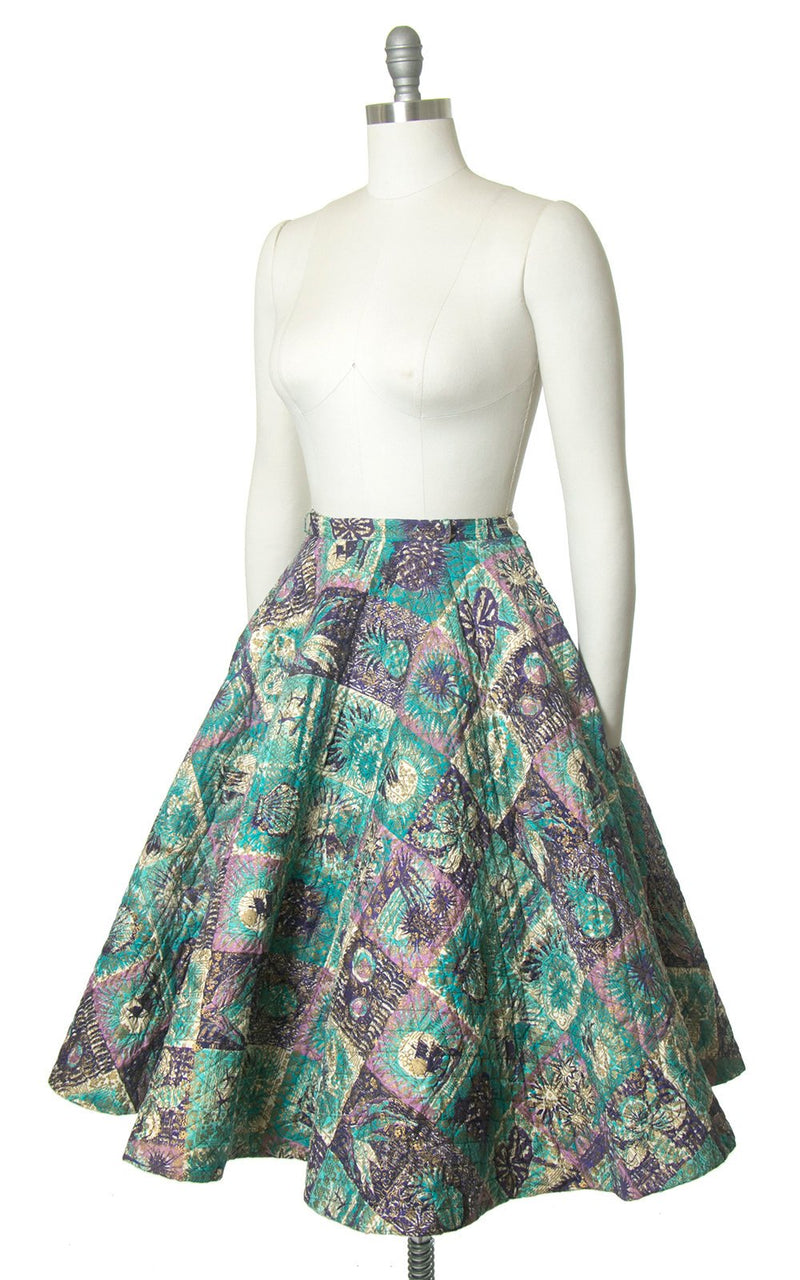 Vintage 1950s Circle Skirt | 50s Hawaiian Floral Novelty Print Quilted Cotton Metallic Gold Surfers Hula Dancer Swing Skirt (medium)