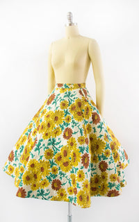 Vintage 1950s Skirt | 50s Sunflower Floral Print Quilted Cotton Yellow Full Skirt with Pockets (x-small)