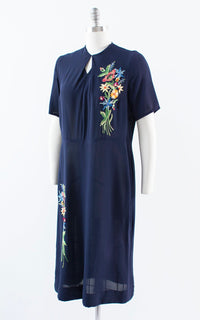Vintage 1940s Dress | 40s Floral Chainstitch Embroidered Dark Navy Blue Rayon Cocktail Sheath Dress (large/x-large)
