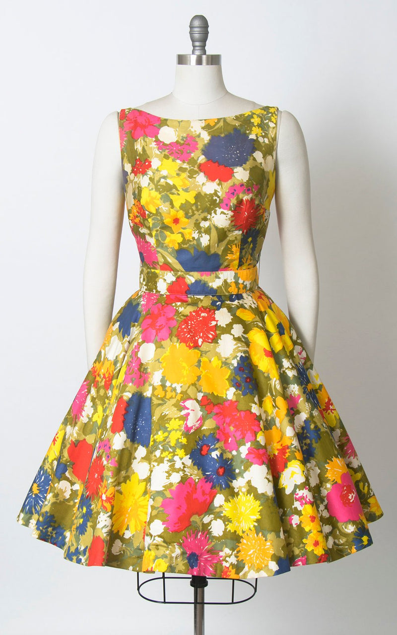 Vintage 1960s Dress | 60s Floral Cotton Sundress Open Back Circle Skirt Day Dress (small)