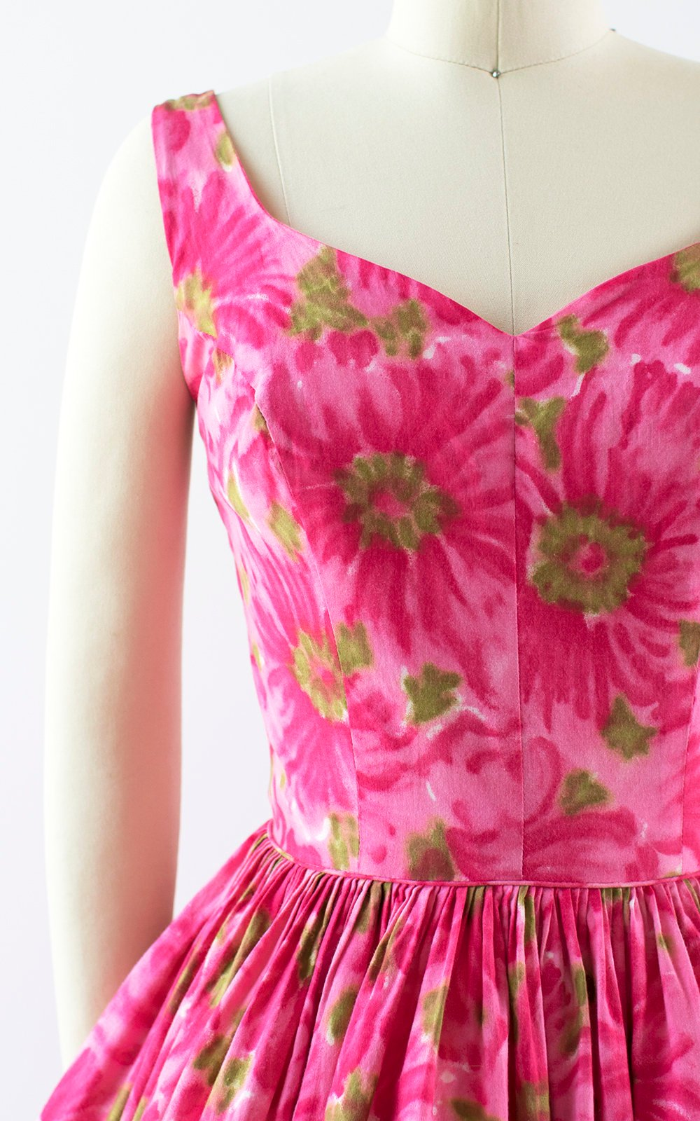 Vintage 1950s Dress | 50s Hot Pink Floral Cotton Sundress Full Skirt Day Dress (x-small)