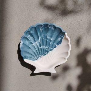 Scallop Shell Dish in Half/Half Ocean