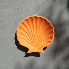 Load image into Gallery viewer, Scallop Shell Dish in Orange