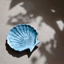 Load image into Gallery viewer, Scallop Shell Dish in Ocean Tie Dye