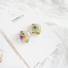 Load image into Gallery viewer, Floral Crystal Cube Studs