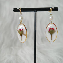 Load image into Gallery viewer, Roses and Pearls Oval Earrings