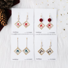 Load image into Gallery viewer, (Preorders only) Duo Square Frame Floral Earrings
