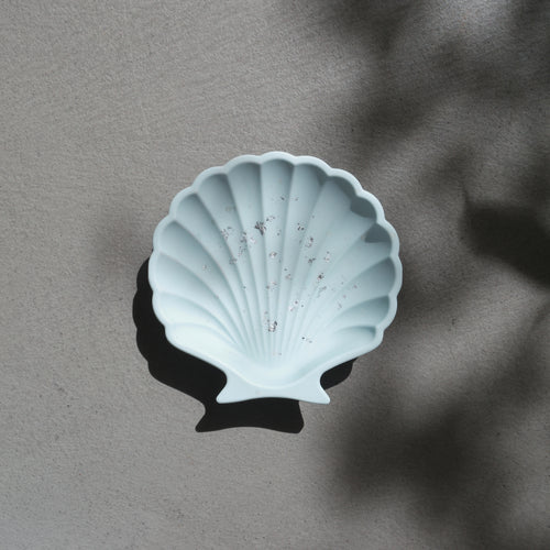 Scallop Shell Dish in Sky Silver Accent
