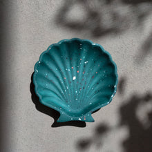 Load image into Gallery viewer, Scallop Shell Dish in Green Terrazzo