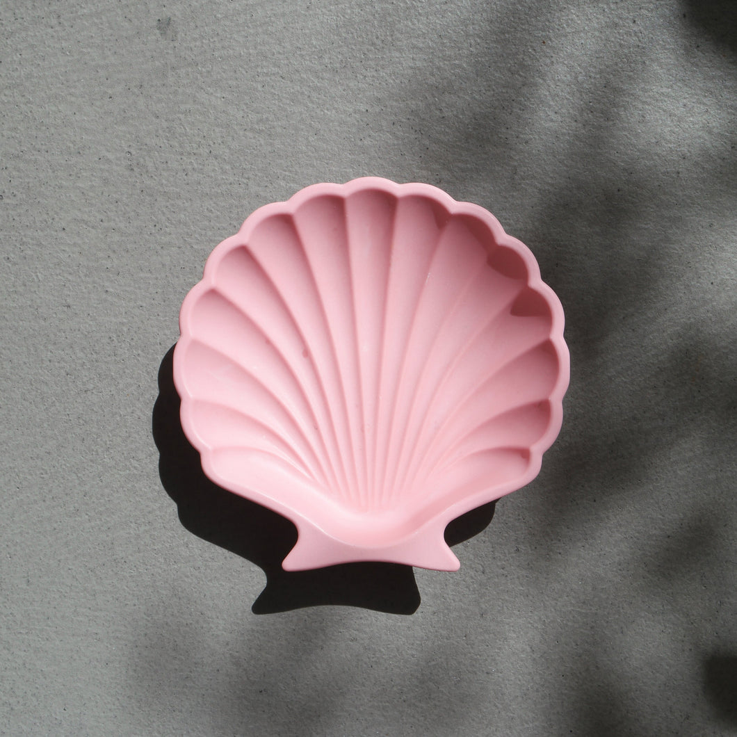 Scallop Shell Dish in Pink