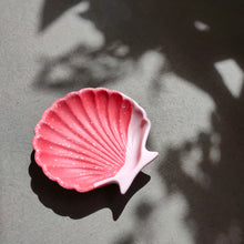 Load image into Gallery viewer, Scallop Shell Dish in Half/Half Coral Terrazzo