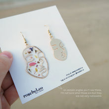 Load image into Gallery viewer, Flower Faces Earrings
