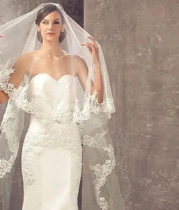Elegant Lace Applique Bridal Veil