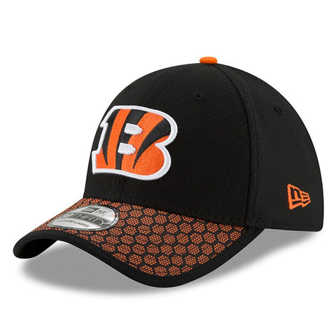 Men's Cincinnati Bengals New Era Black 2017 Sideline Official 39THIRTY Flex Hat