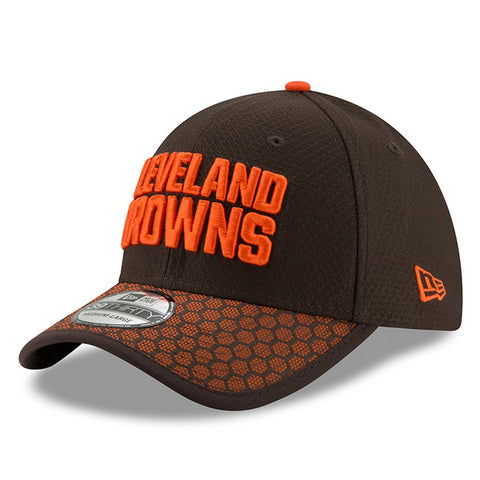 Men's Cleveland Browns New Era Brown 2017 Sideline Official 39THIRTY Flex Hat
