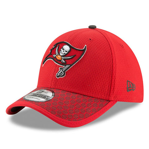 Tampa Bay Buccaneers New Era 2017 Sideline Official 39THIRTY Flex Hat - Red