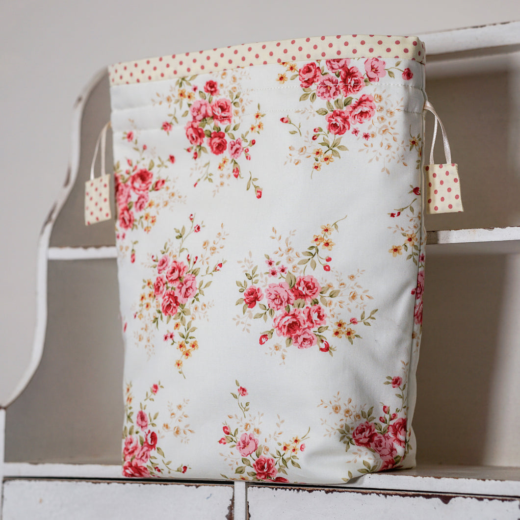 COUNTRY GARDEN project bag - polka dot lining fabric