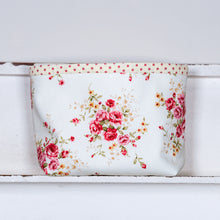 Load image into Gallery viewer, COUNTRY GARDEN Box Pouch - polka dot lining