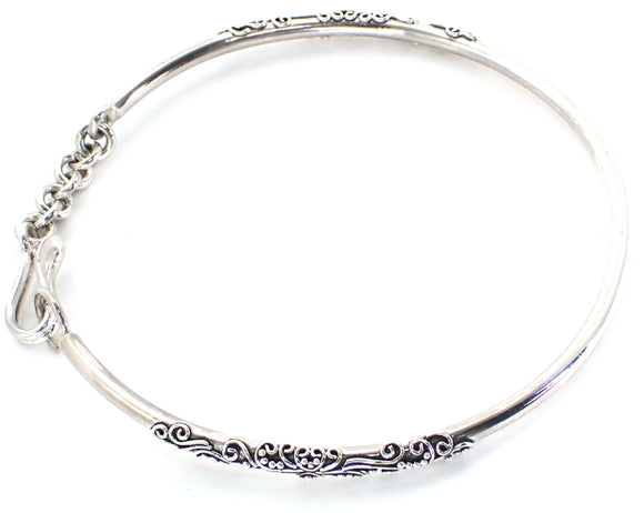 B935 DEWI Open Bangle with Chain Closure and Hand Filigree Accents