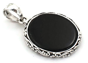 P150BO LOVINA Sterling Silver Pendant with Onyx