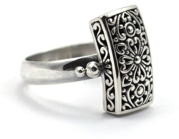 R102 WEDA .925 Sterling Silver Ring With Rectangular Floral Design