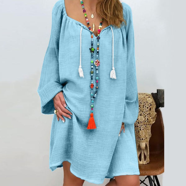 Cotton wool long-sleeved neckline with a fashion dress