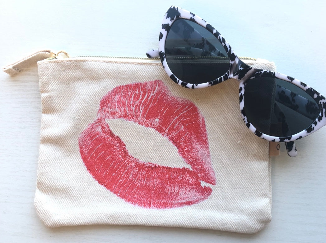 Kiss Pouch Canvas Bag