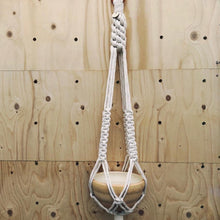 Load image into Gallery viewer, Kurun - Macrame pot hanger