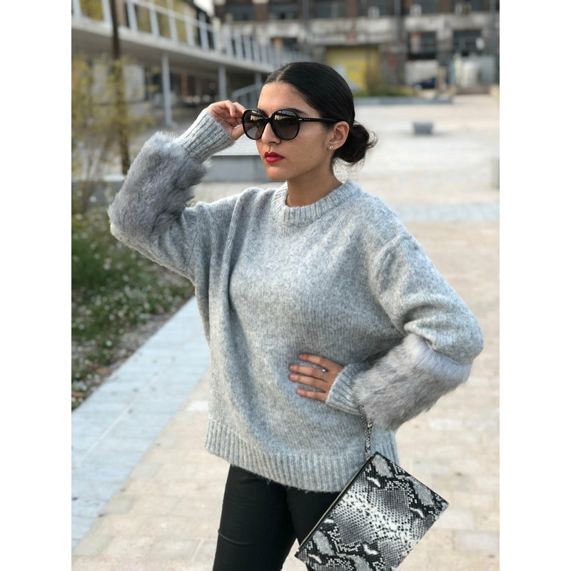 pull femme manches fourrure gris clair