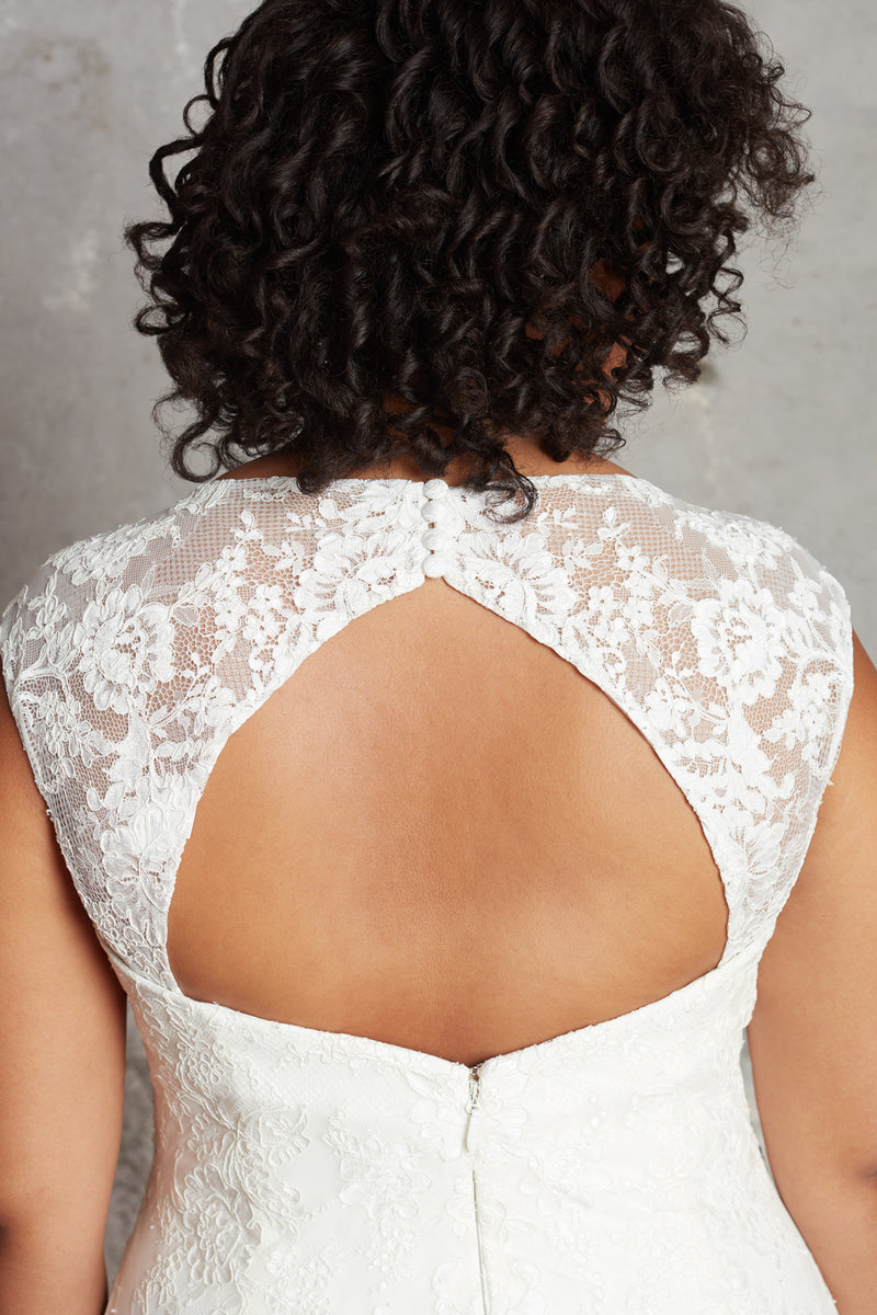 The Lillian Gown - Keyhole Lace Straps