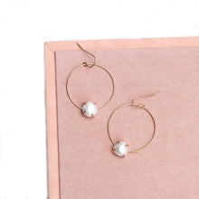 Load image into Gallery viewer, Geometric Circle Earrings