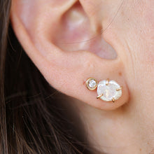 Load image into Gallery viewer, Pearl Pebble Earrings
