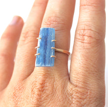 Load image into Gallery viewer, Kyanite Stick Ring