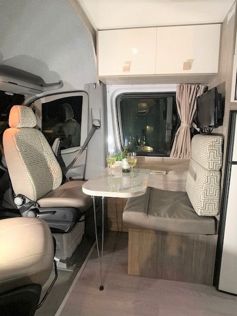 5 Star COUPLES RETREAT Motorhome for Hire BRISBANE QLD