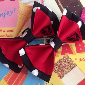 Miss Meow Signature Skate Bow Set