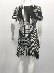 Flare Short Sleeve Tunic Geometric Black White Print - americanfashion2