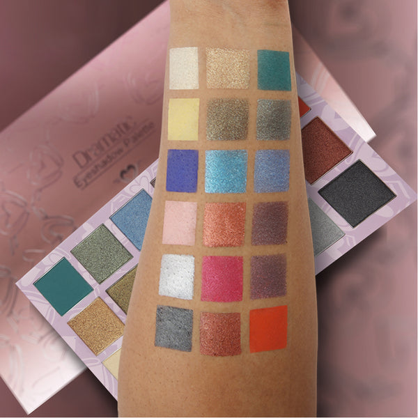 DRAMATIC EYESHADOW PALETTE - DBE005