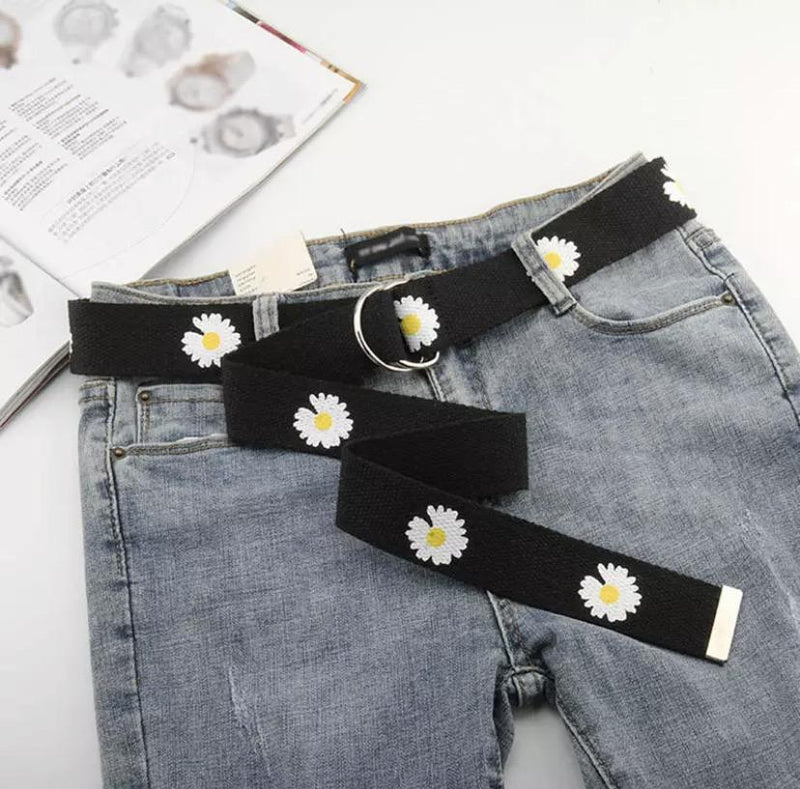 Daisy Lover Belt 🌼💗 - Sour Puff Shop