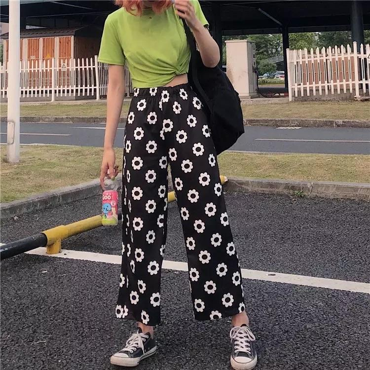 Polka Flower Pants 🖤.