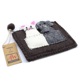 Pouch with Finger Puppets - Elephant & Mouse