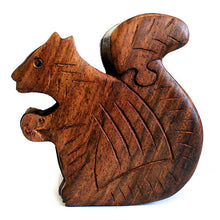 Load image into Gallery viewer, Squirrel Puzzle Box - Muneragifts.co.uk