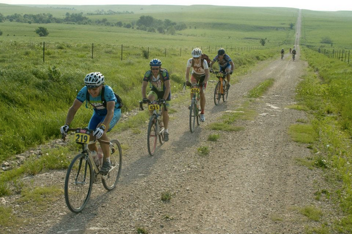 Gravel Riding 101: From Gravel Bike Basics to Dirty Kanza