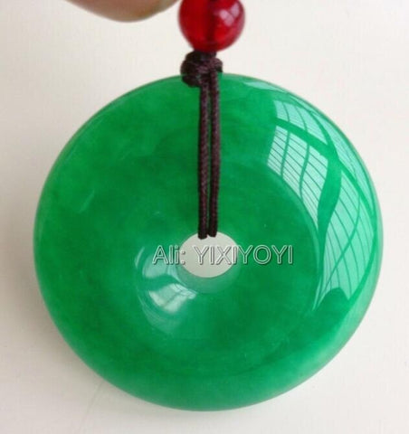 vintagepalace.us, Apple GReen Jade, Amulet for Luck, vibranT Bright Green, very pretty, comes with free rope,