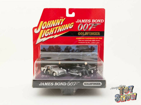 Johnny Lightning James Bond 007 Goldfinger '64 Aston Martin 1:64 diecast car MOC