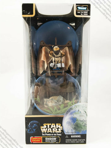 1998 Kenner Star Wars POTF2 Complete Galaxy Endor with Ewok action figure MISB