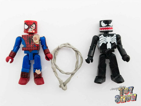 2003 Marvel Minimates Battle Damaged Spider-Man & Venom figures - mint