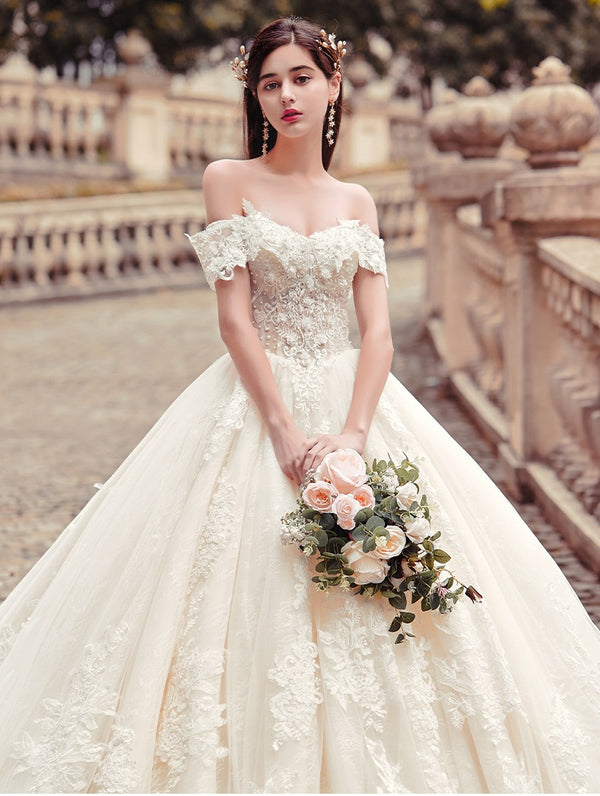 DM #w010 Off Shoulder Wedding Dress with long train