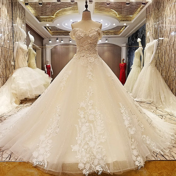 DM #w018  Off Shoulder Wedding Dress Sweetheart Bridal Dress